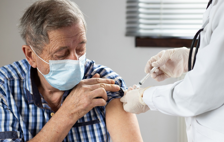 Residents of Grand Oaks Okeechobee Receive COVID-19 Vaccine