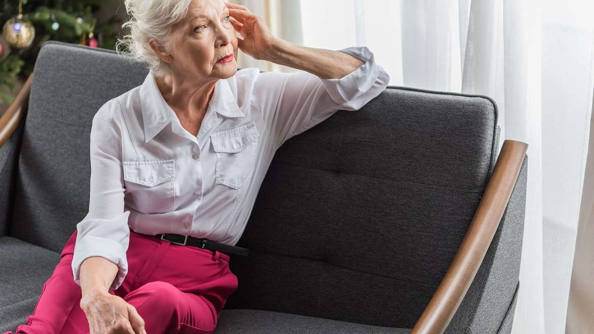 Caregiver Tips to Ease Holiday Loneliness in Seniors